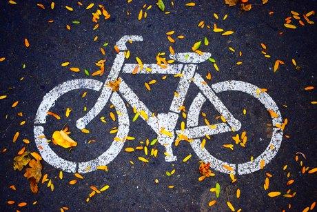 Vhodné příslušenství na kolo zvýší bezpečnost podzimních cyklo výletů  především tím aa3827dbe7